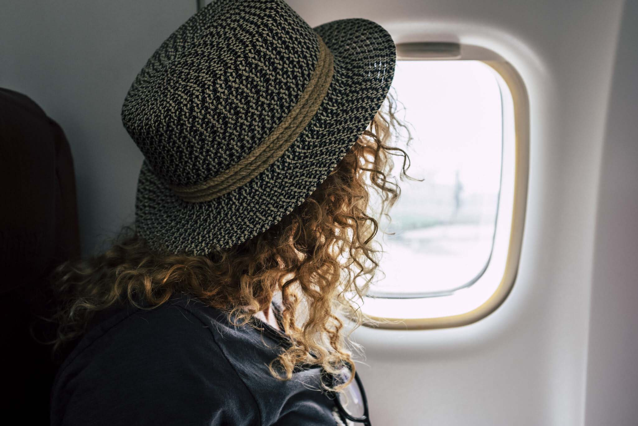 How to survive long flights – 9 key pieces of advice